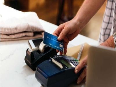 Dịch vụ rút tiền và đáo hạn thẻ tín dụng