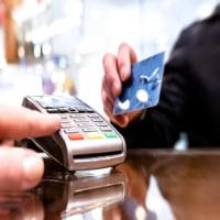 Có nên dùng dịch vụ đáo hạn thẻ tín dụng quận Tân Bình không?