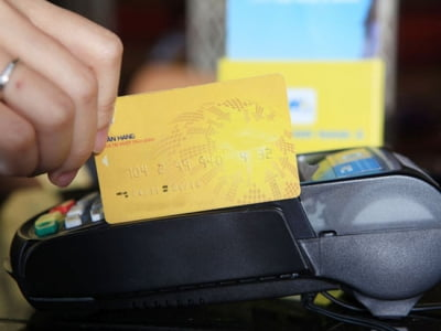 Đáo hạn thẻ tín dụng tại huyện Bình Chánh